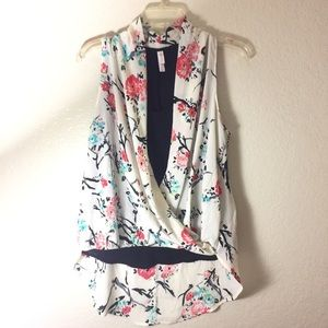 NWT Xhilaration Floral Sleeveless Blouse
